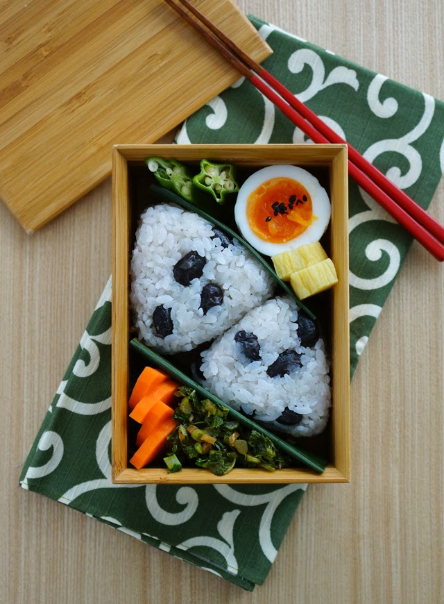 Cooked beans rice balls bento/黒豆ごはんのおにぎり弁当