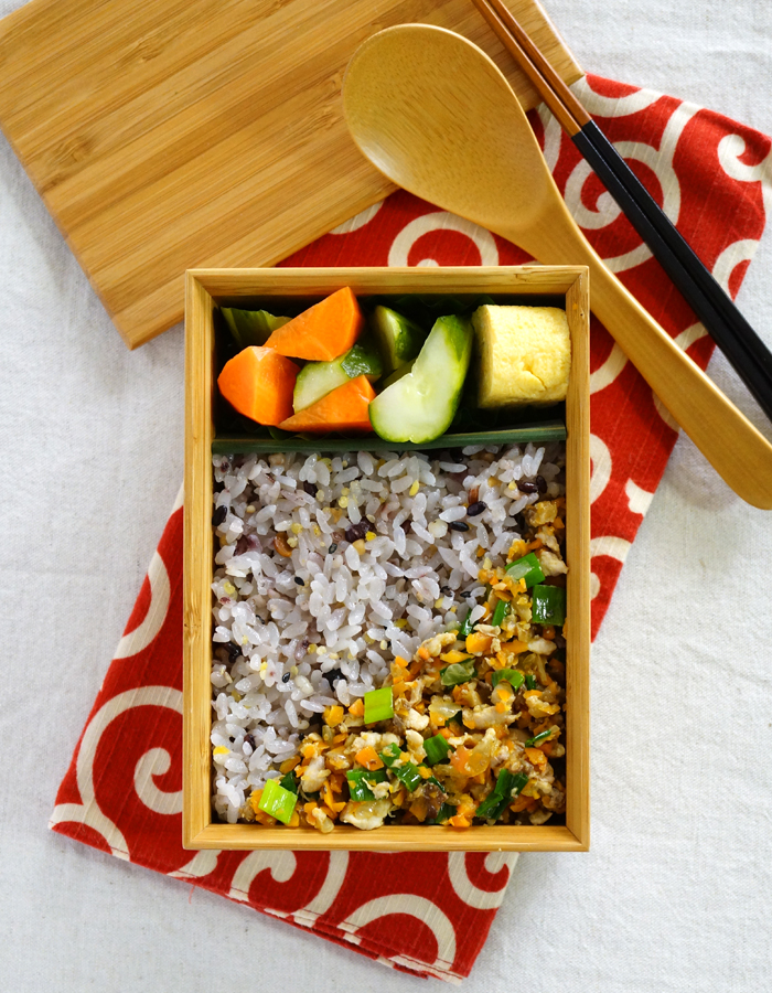 Soboro, minced mackerel rice bento/鯖そぼろ弁当