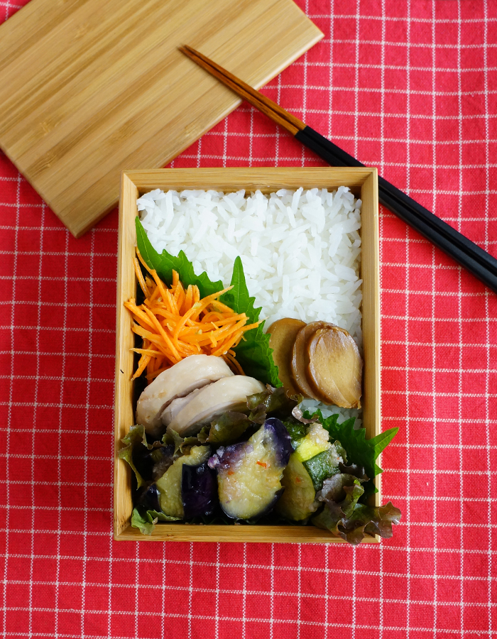 Steamed chicken bento/蒸し鶏弁当