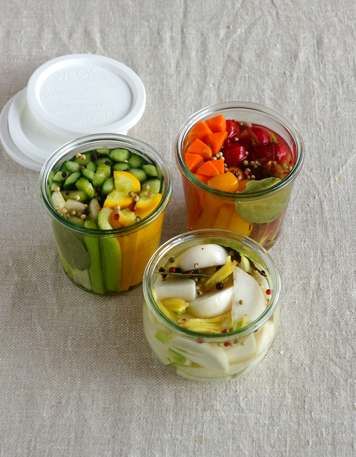 Homemade Refrigerator Pickles