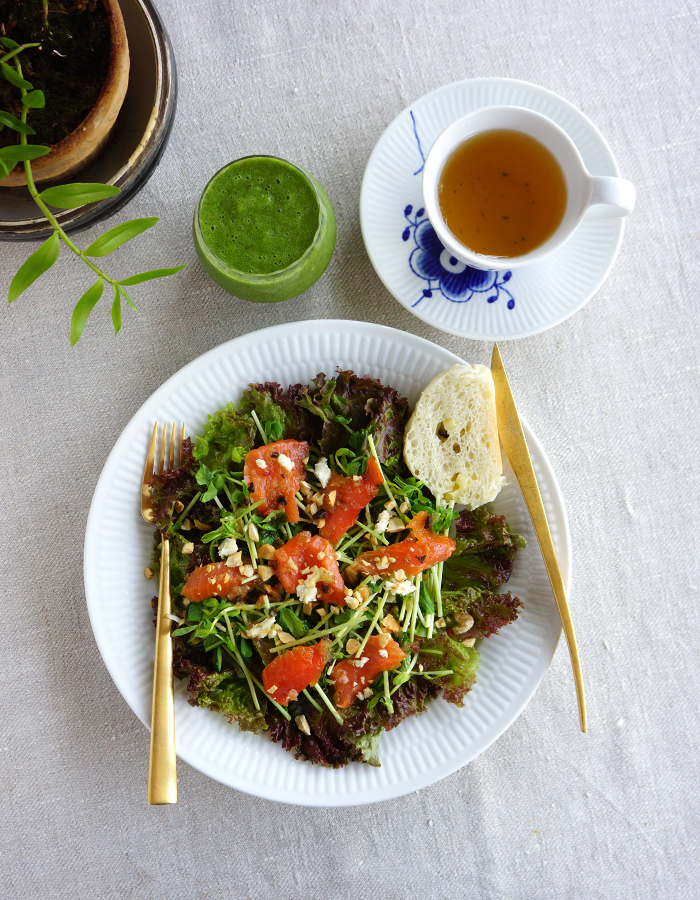 Smoked salmon and mixed green salad, green smoothie and a cup of tea