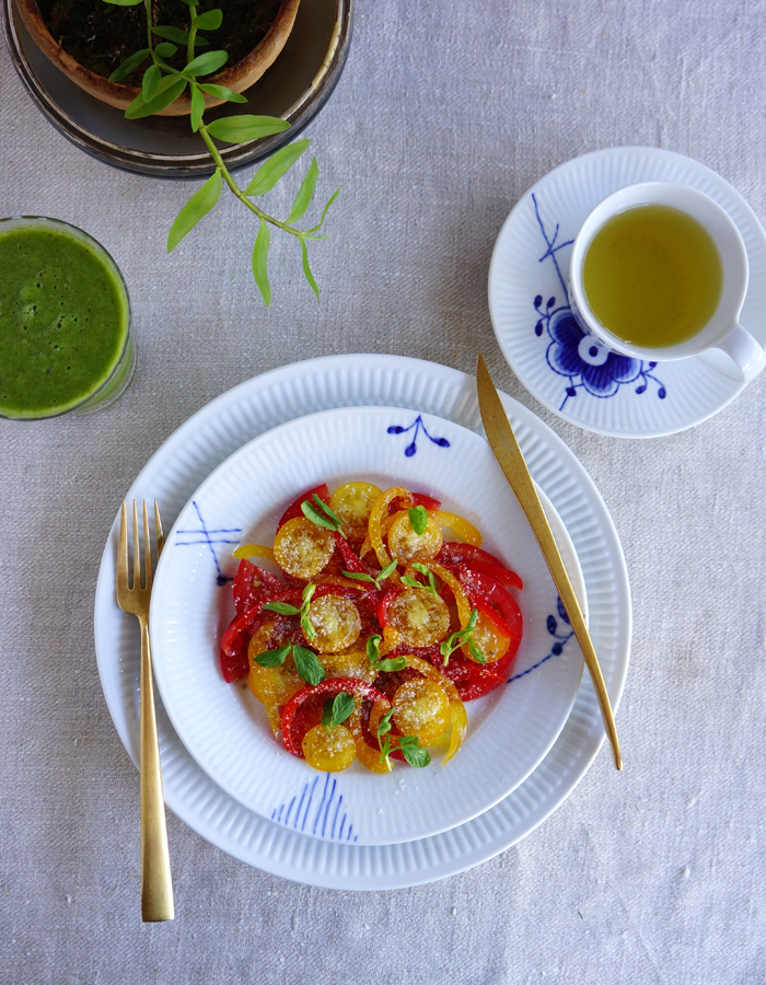 tomatoes bell pepper salad