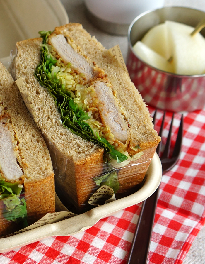 Wrap and keep all stuffing and bread tightly together