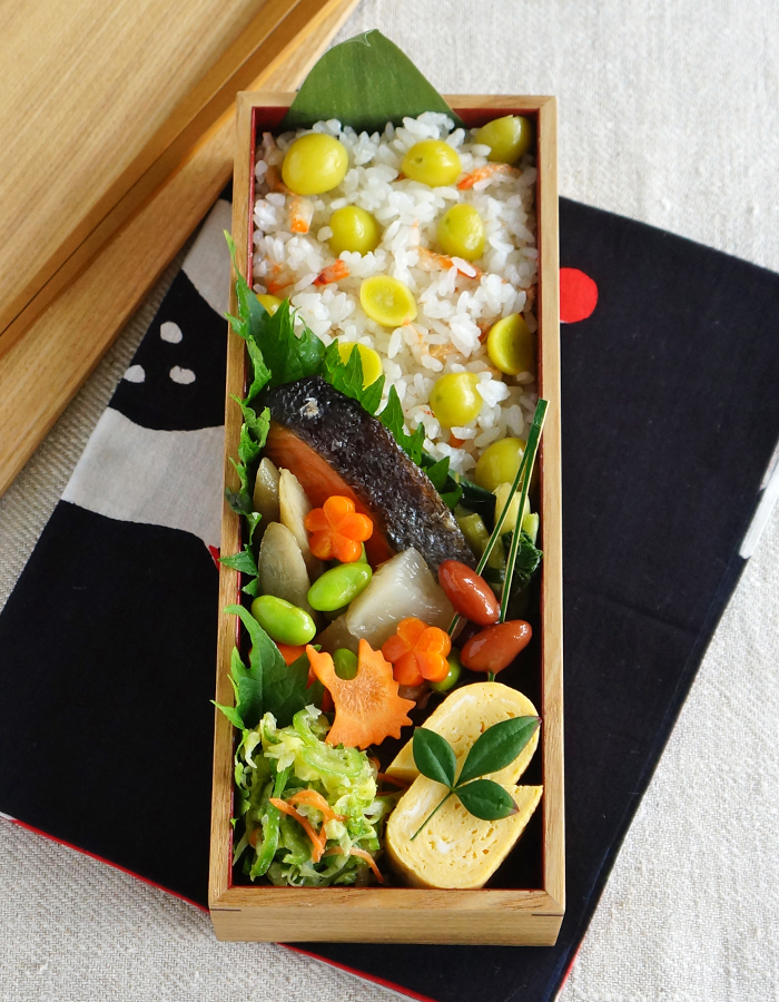Cooked ginkgo nuts rice bento/銀杏ごはん弁当: