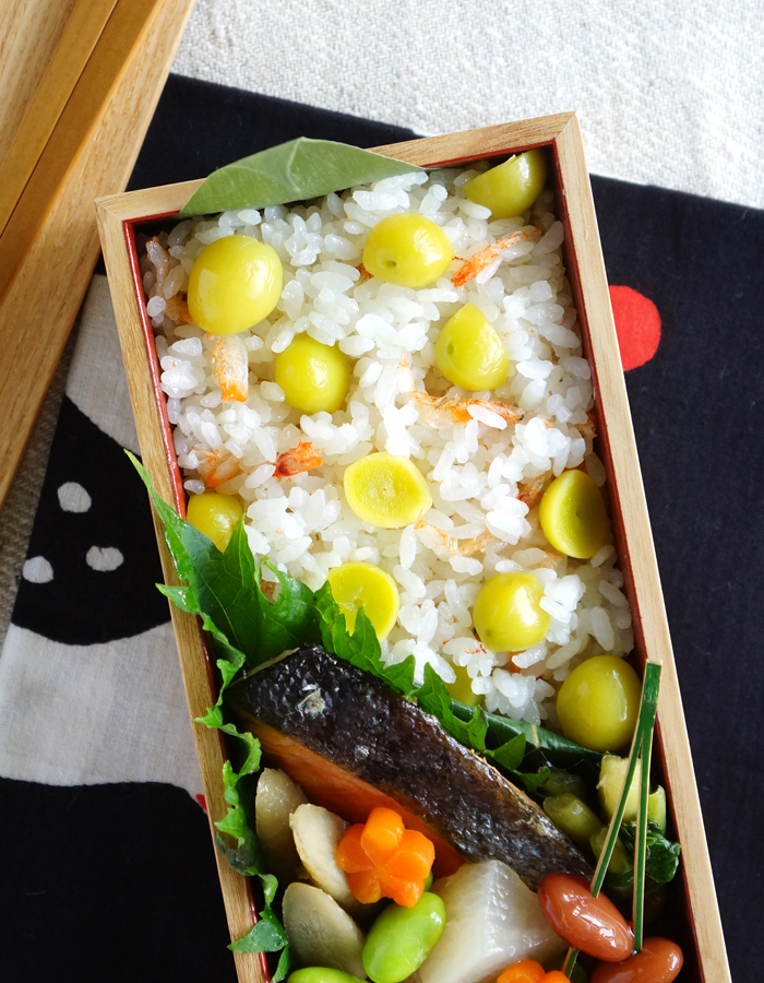 cooked ginkgo nuts rice