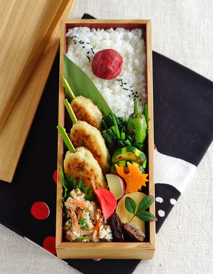 Tukune, chicken meatballs bento/鶏つくね弁当