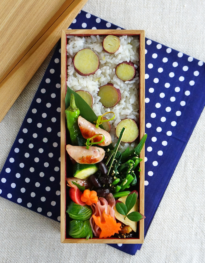 Cooked sweet potato rice bento/サツマイモごはん弁当