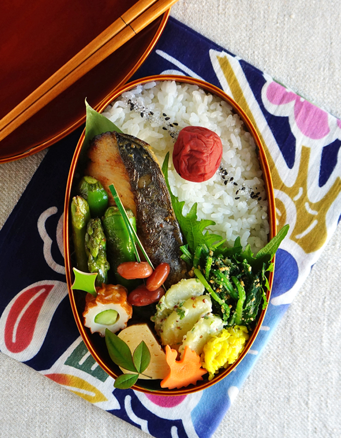 Grilled miso-marinated mackerel bento/鰆の味噌漬け弁当