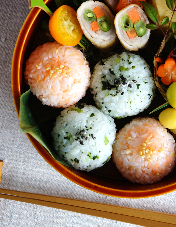 rice balls mixed up with salmon flake and nozawana leaves seasoning