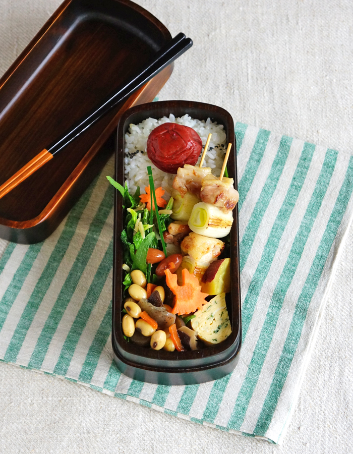 """Negima"", grilled chicken skewers bento/ネギマ塩弁当"
