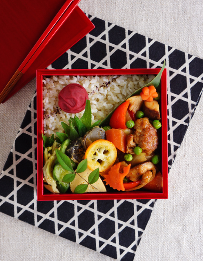 Sweet and sour pork stir-fry bento/酢豚弁当: