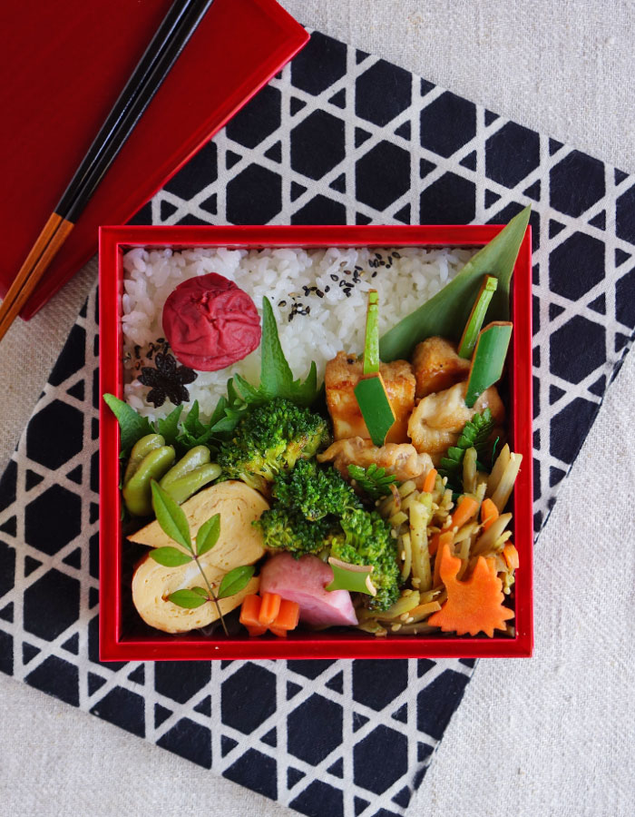 Teriyaki chicken skewers bento/鶏の照り焼き弁当