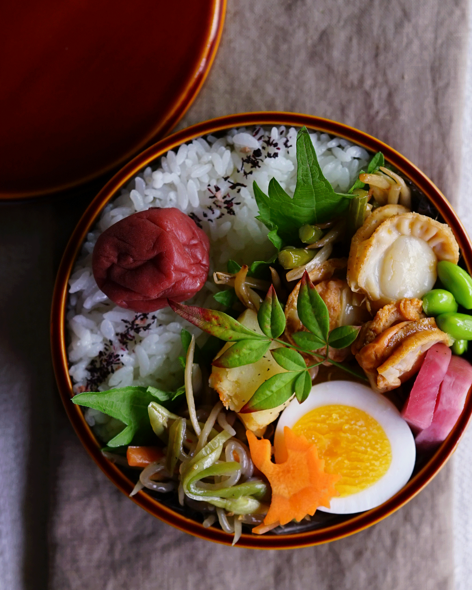 Scallop, garlic scape and sprout stir-fry bento/帆立と大蒜の芽ともやしの炒め物弁当