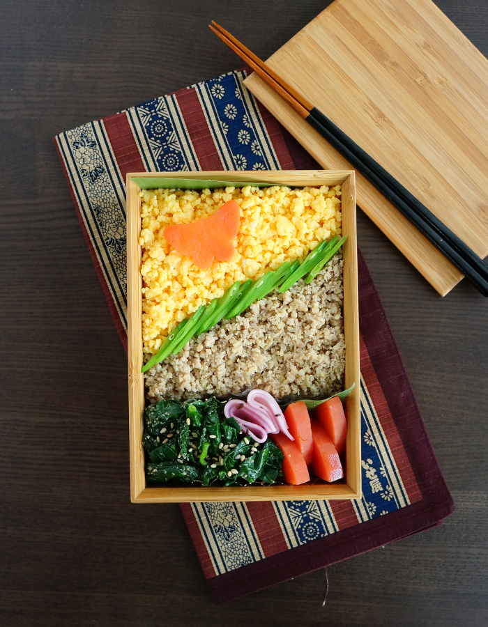 Soboro, minced chicken and eggs bento/そぼろ弁当